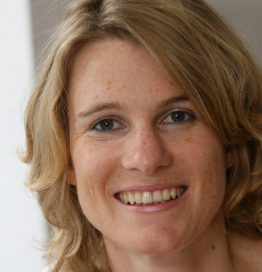 Dr. Anne Seifert