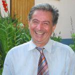 Prof. Dr. em. Manfred Hofer